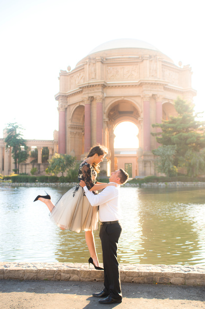 Engagement shoot at Palace of Fine Arts by ShootAnyAngle Photography, a San Francisco wedding photography team.